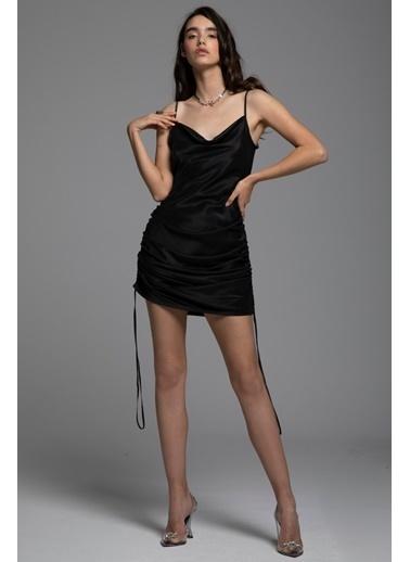 Tuba Ergin İpek Askılı İp Büzgü Detaylı Mini Maura Elbise Siyah
